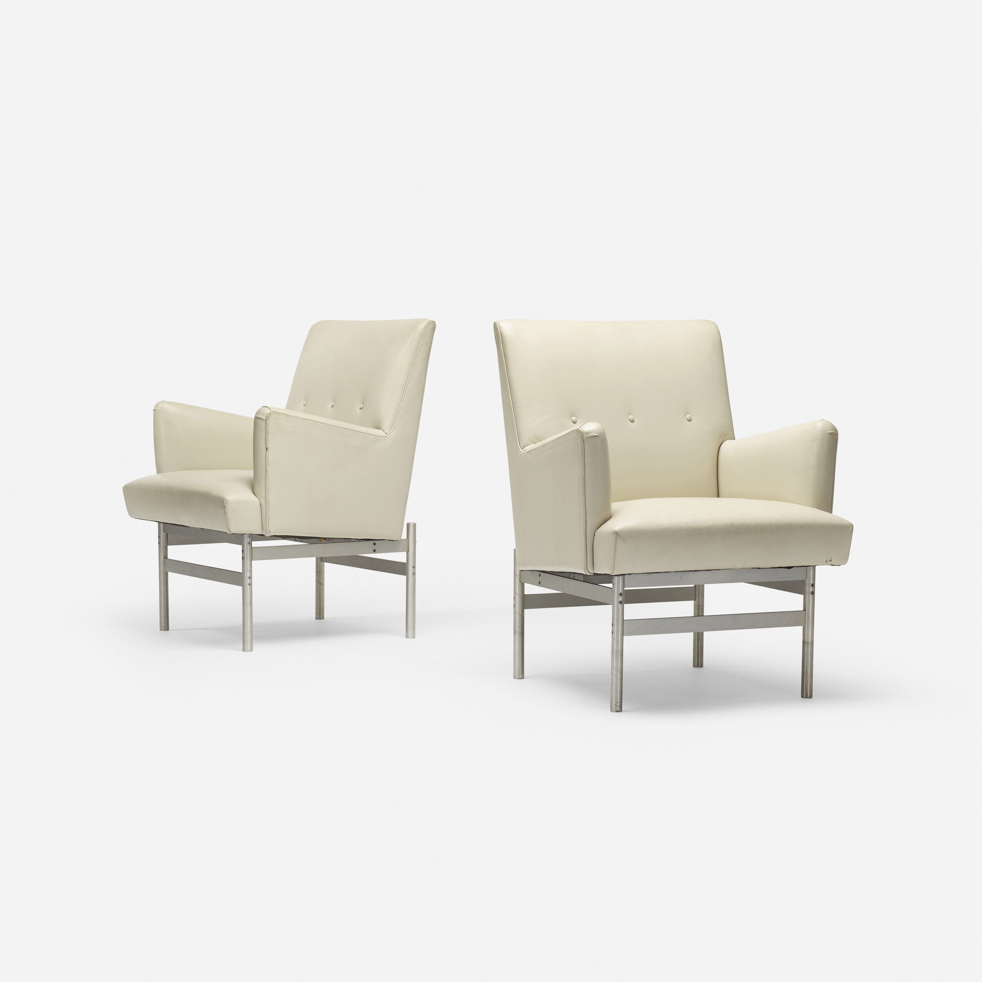 605: Modern / lounge chairs, pair (1 of 3)