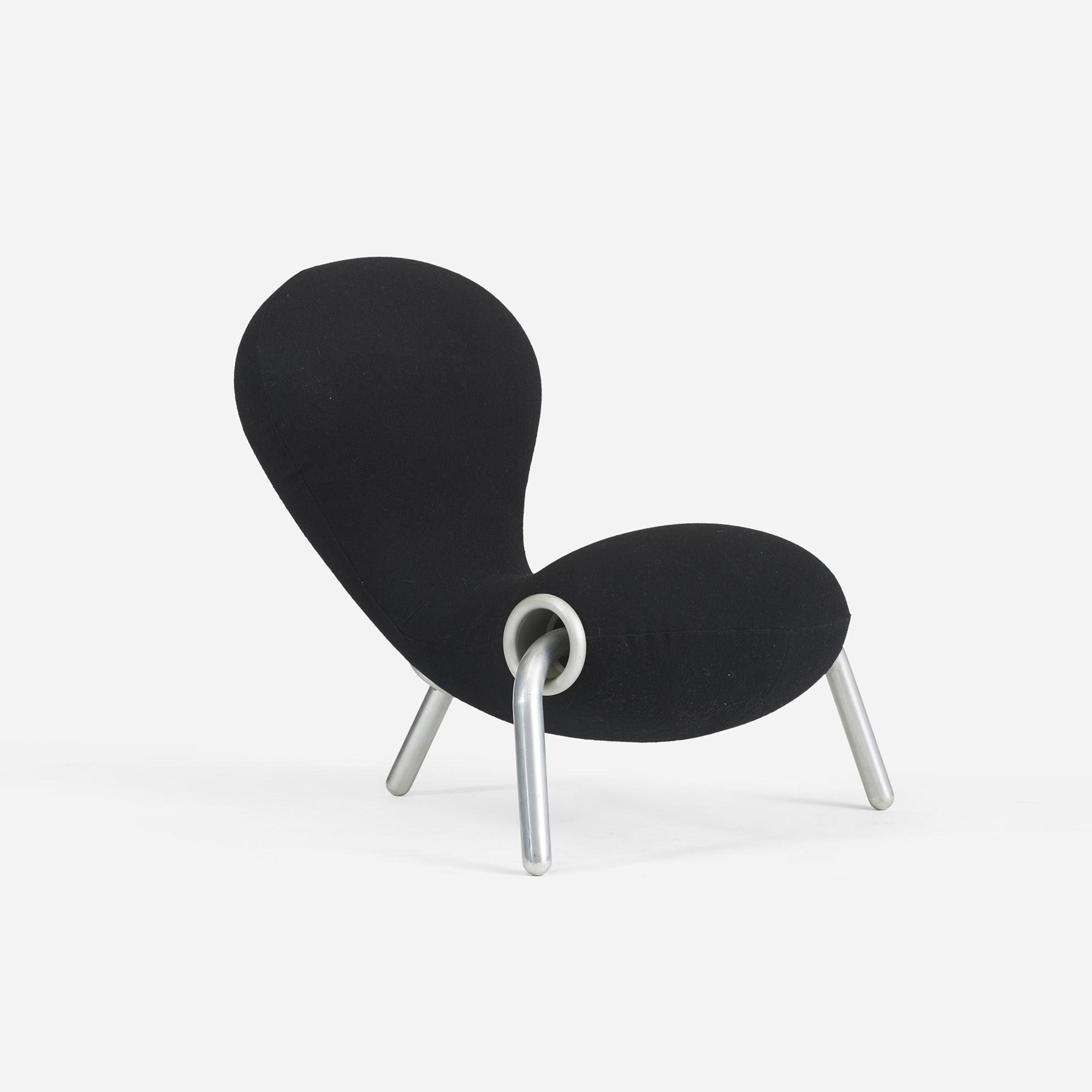 638: Marc Newson / Embryo chair (1 of 2)