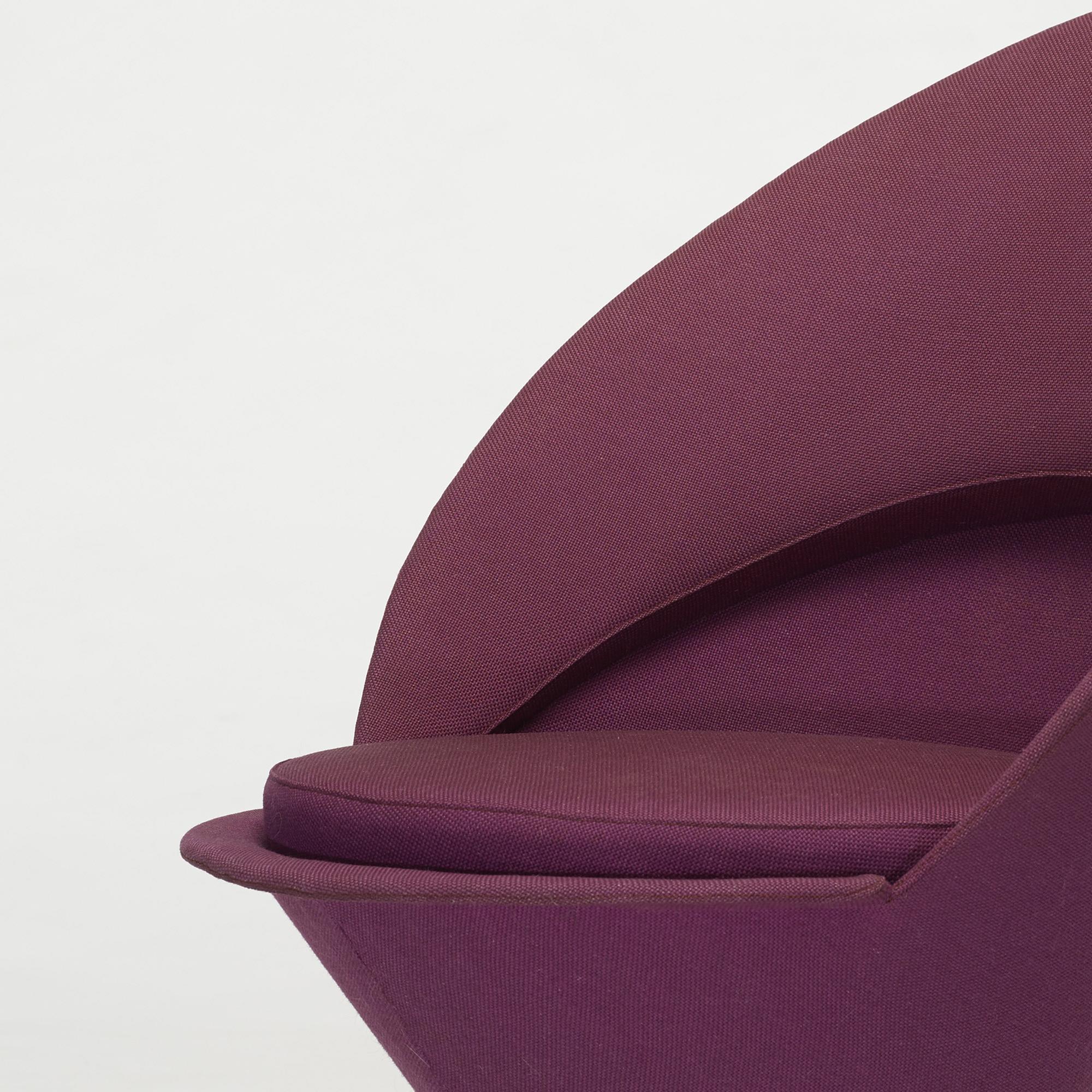 648: Verner Panton / Cone chair (4 of 4)