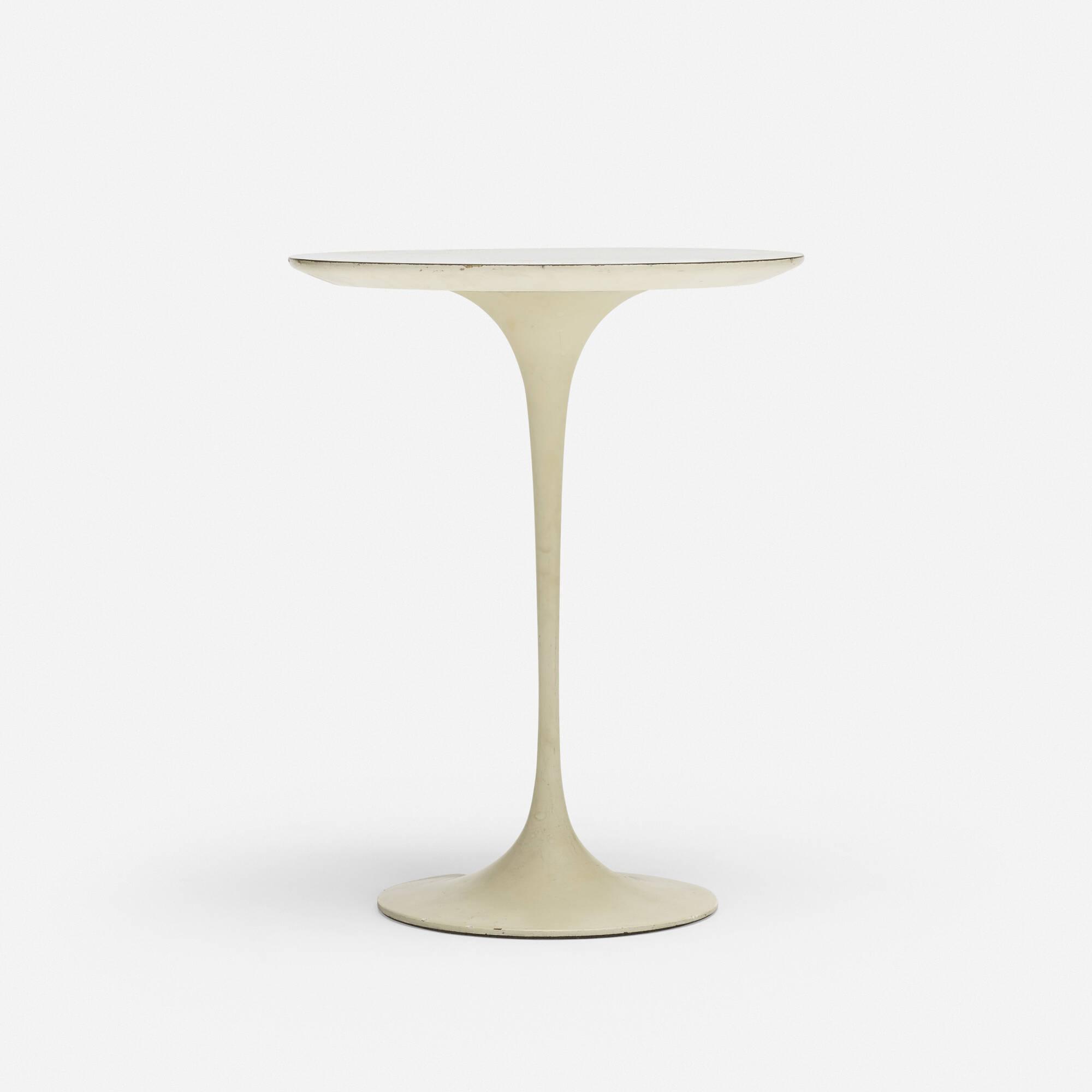 702: Eero Saarinen / side table, model 163 (1 of 1)