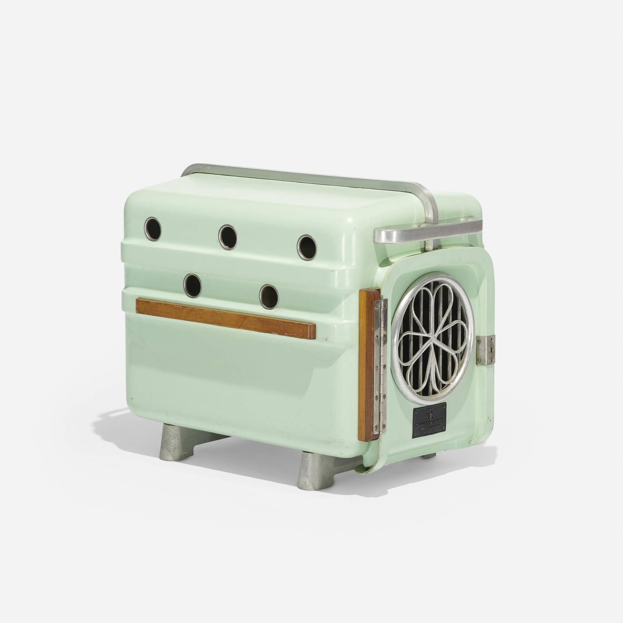 724: Shamrock Crates / pet carrier (1 of 2)