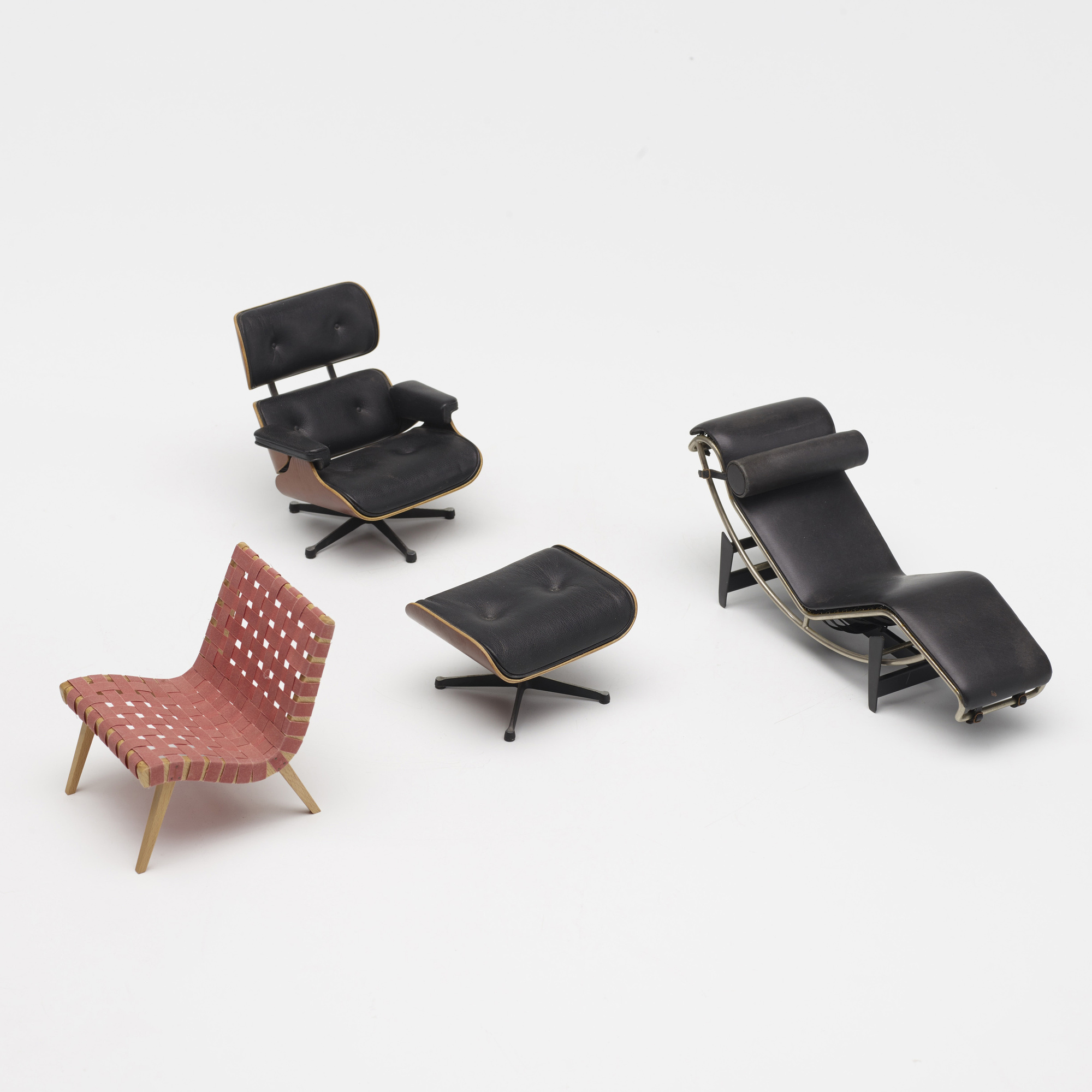 776: Vitra / collection of three miniature chairs (3 of 3)
