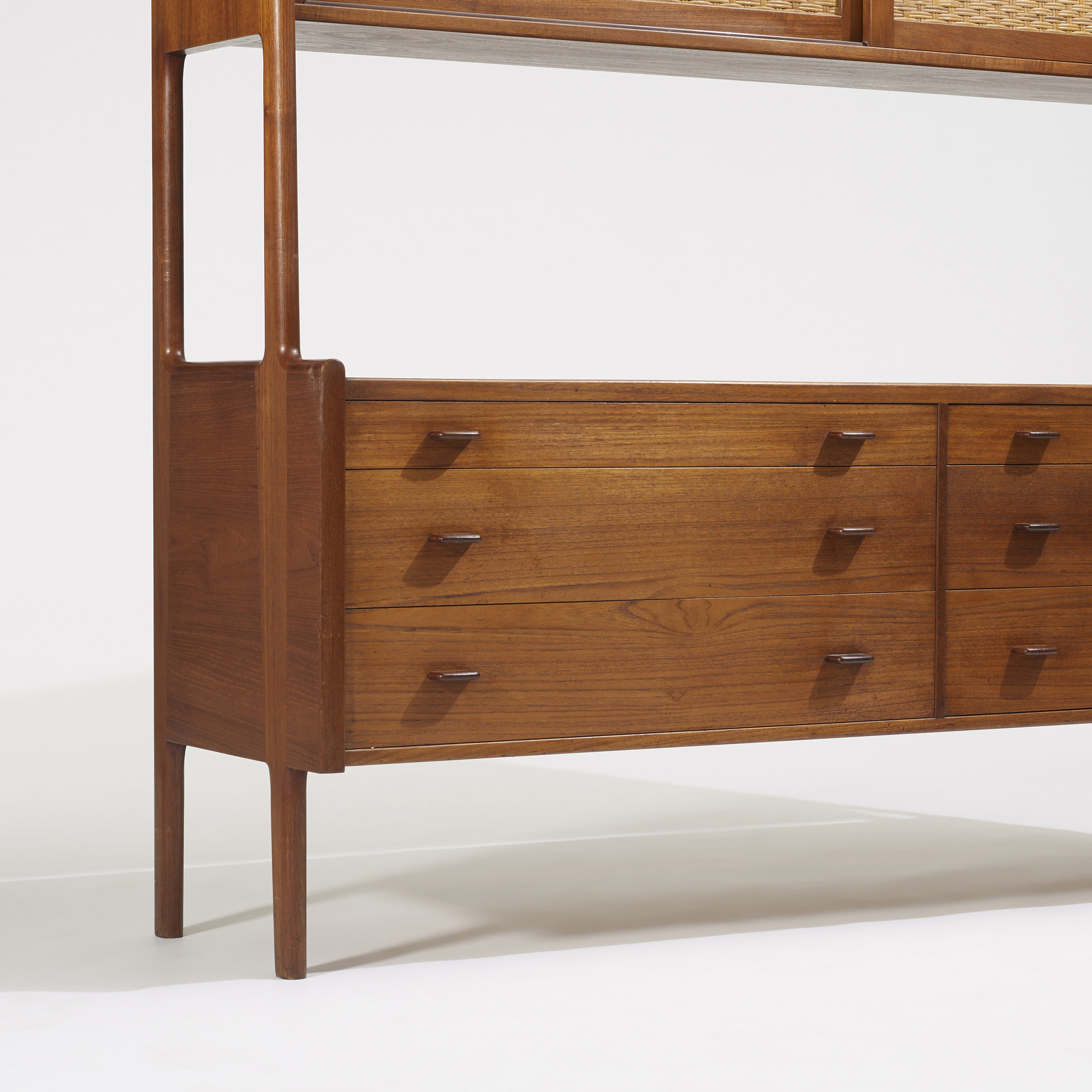 788: Hans J. Wegner / cabinet, model RY20 (2 of 3)