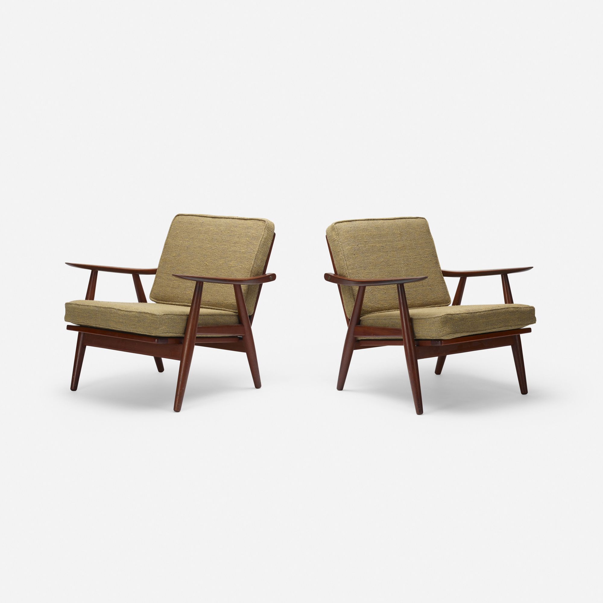 789: Hans J. Wegner / lounge chairs model GH240, pair (1 of 3)