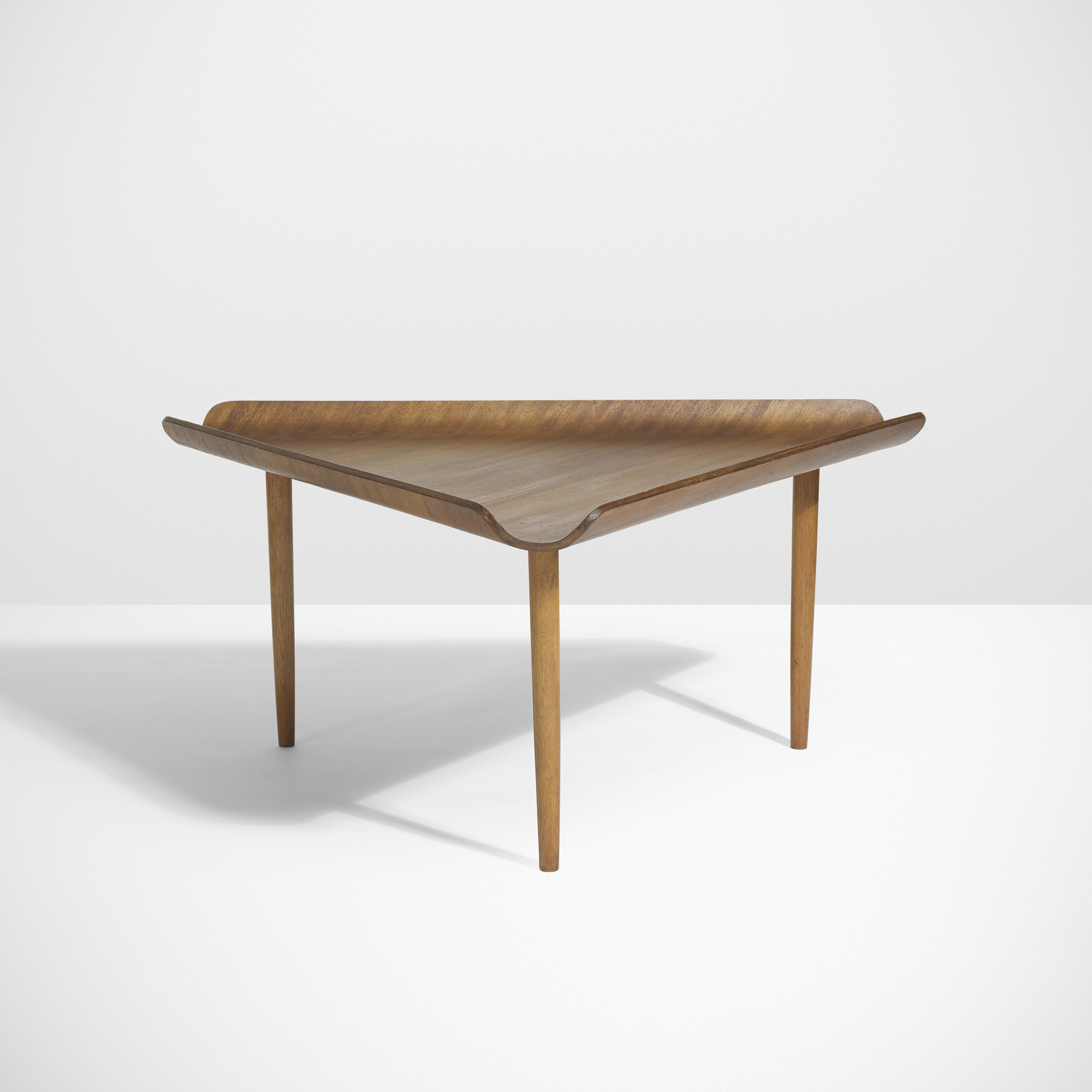 7 Charles Eames and Eero Saarinen Important and rare table for