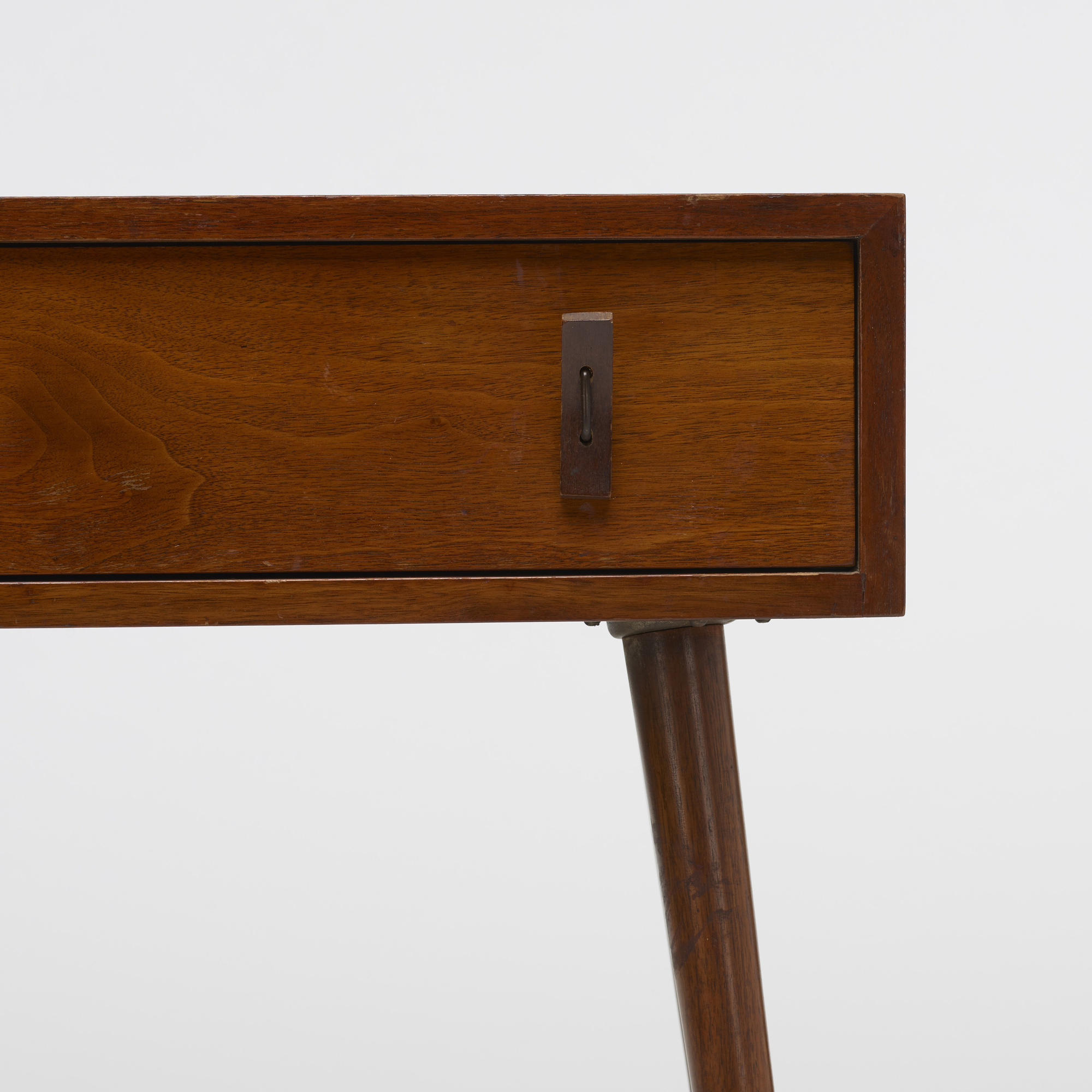 812: Stanley Young / console, model 1602 (3 of 3)