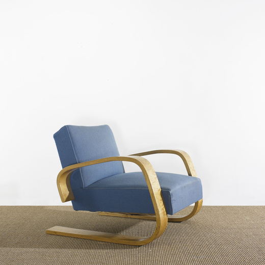 222: Alvar Aalto / Tank Lounge Chair, Model 37/400
